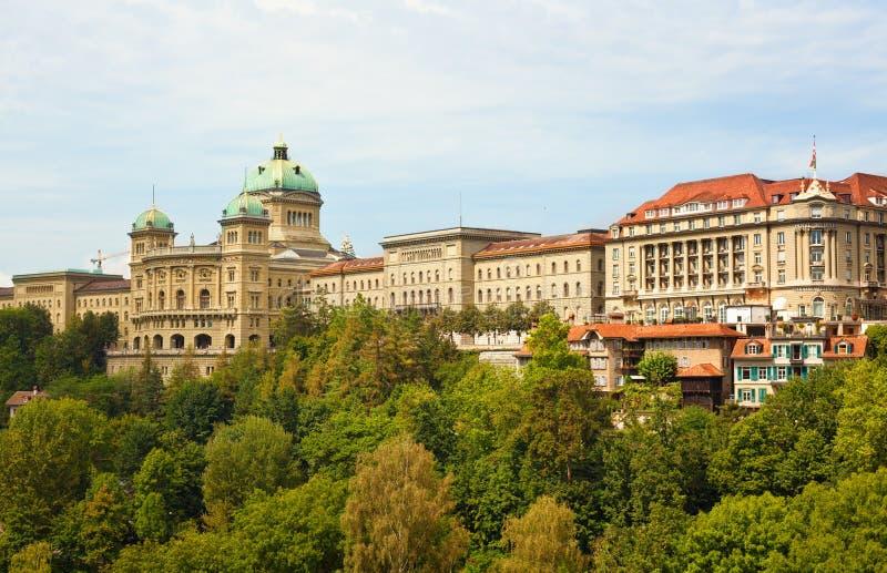Panoramiczny widok Bundeshaus w Bern zdjęcie stock