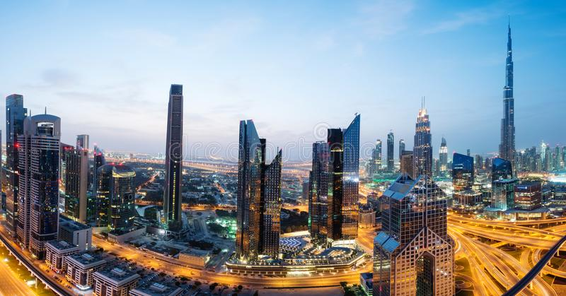 Panoramiczny widok Dubaj linia horyzontu przy wschodem słońca, UAE fotografia stock