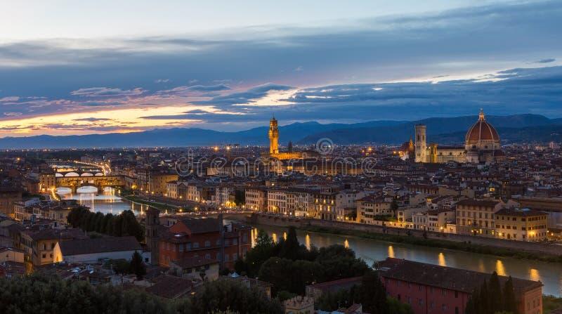 Panoramiczny widok Florencja na zmierzchu obrazy stock