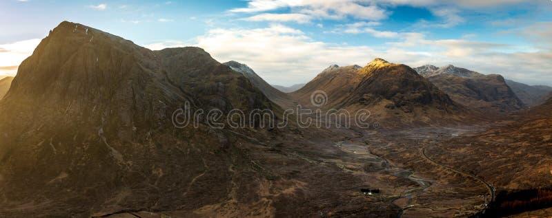 Panoramiczny widok górski Buachaille Etive Mor Coe & roztoka, Szkocja UK obrazy royalty free