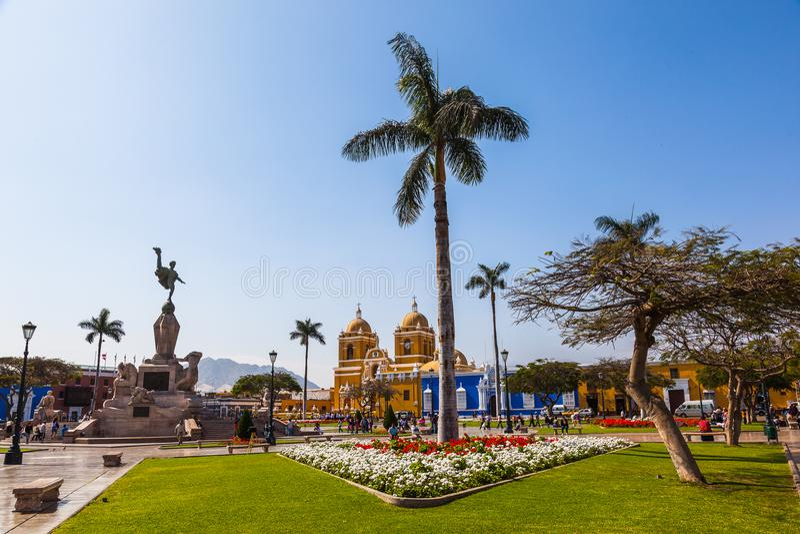 Panoramiczny widok główny plac miasto Trujillo fotografia royalty free