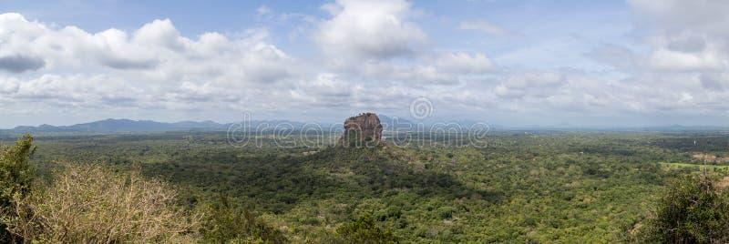 Panoramiczny widok lew skała w Sigiriya, Sri Lanka zdjęcie stock