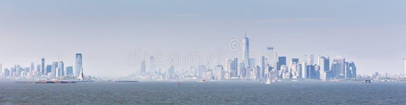 Panoramiczny widok lower manhattan i Dżersejowy miasto od Staten Island, Miasto Nowy Jork, usa obrazy stock