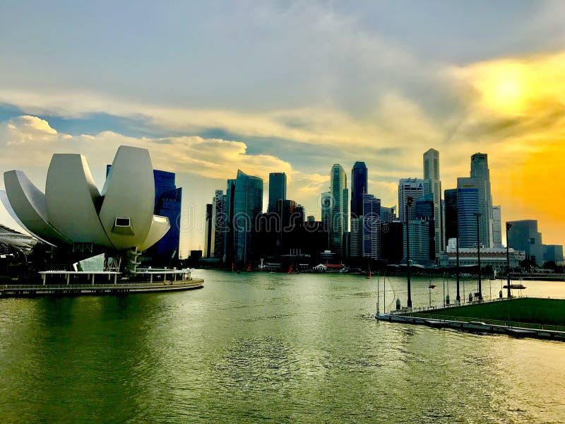 Panoramiczny widok Marina zatoka w Singaporeis prawdziwym błoniu w Hong Kong obraz royalty free