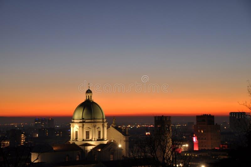Panoramiczny widok miasto Brescia z światłem słońca zdjęcia royalty free