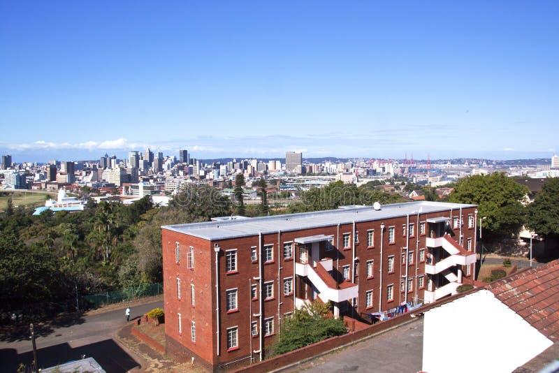 Panoramiczny widok miasto linia horyzontu jak widzieć od Durban Berea zdjęcie stock