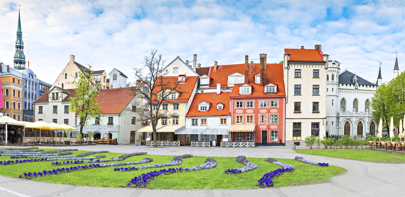 Panoramiczny widok na głównym placu Ryski miasto, Latvia, Europa zdjęcia stock