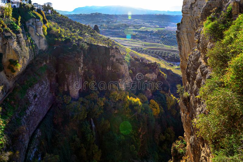 Panoramiczny widok na jarze Ronda miasteczko, Andalusia, Hiszpania fotografia royalty free