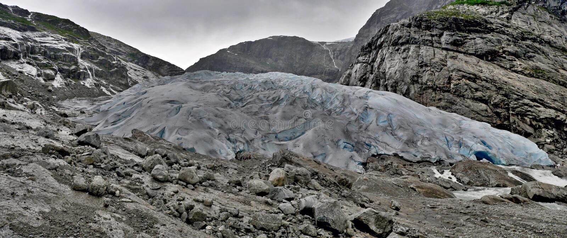 Panoramiczny widok na lodowu Nigardsbreen zdjęcie royalty free