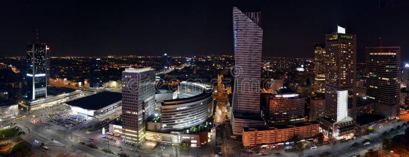 Panoramiczny widok na Warszawa nocą, Polska obrazy royalty free