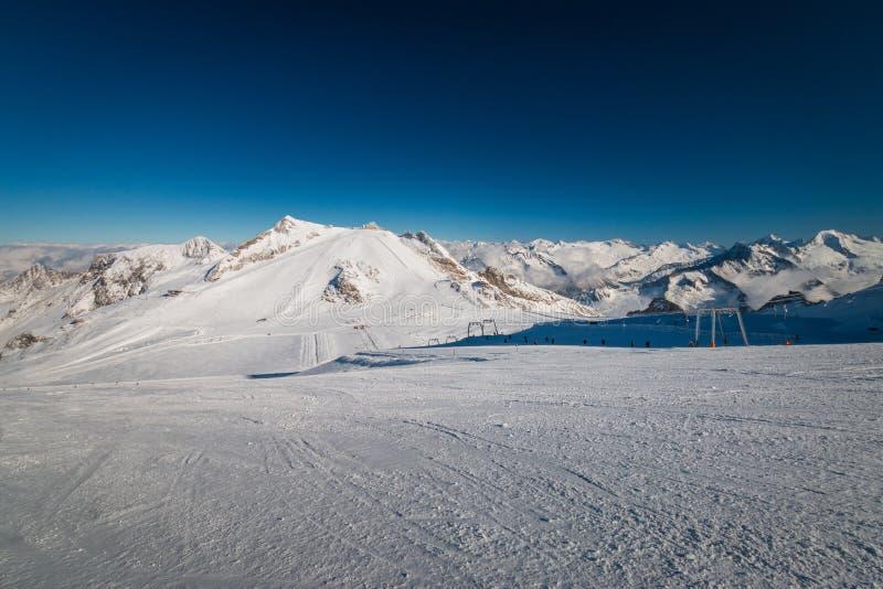 Panoramiczny widok narciarski region Hintertux lodowiec w regionie Tyrol zdjęcia stock