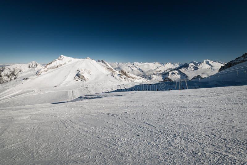 Panoramiczny widok narciarski region Hintertux lodowiec w regionie Tyrol zdjęcia royalty free