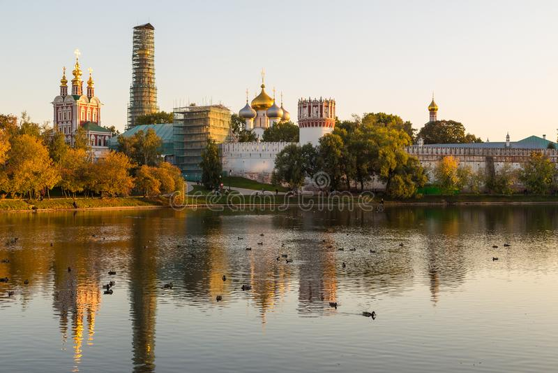 Panoramiczny widok Novodevichy klasztor, Rosja zdjęcie stock
