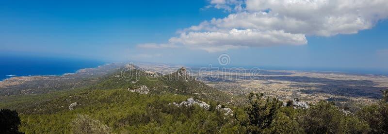 Panoramiczny widok od Pentadaktylos gór w Kantaru terenie, Cyp obrazy royalty free