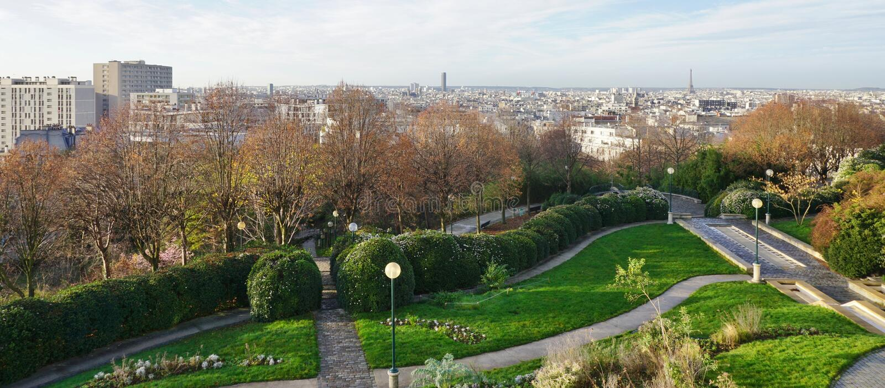 Panoramiczny widok Paryska linia horyzontu od Parc De Belleville zdjęcie stock