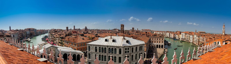 Panoramiczny widok piękny Wenecja miasto i Grand Canal w pogodnym wczesnym wiosna dniu fotografia stock