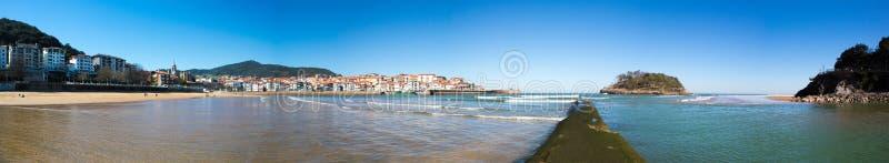 Panoramiczny widok plaża Lekeitio obrazy royalty free