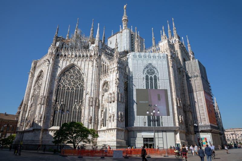 Panoramiczny widok powierzchowność Mediolańska katedra (Duomo di Milano) obraz stock
