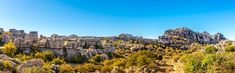 Panoramiczny widok przy rockową formacją El Torcal Antequera, Hiszpania - obraz stock