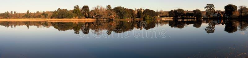Panoramiczny widok Rzeczny Beulieu w Nowym Lasowym Hampshire zdjęcia royalty free