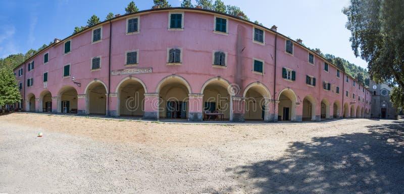 Panoramiczny widok sanktuarium Nostra Signora Di Soviore, losu angeles Spezia prowincja blisko Monterosso w 5 terre, Włochy obrazy royalty free