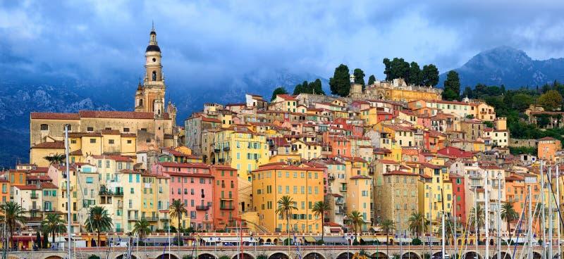 Panoramiczny widok stary miasteczko Menton, Provence, Francja obrazy stock