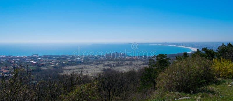 Panoramiczny widok Sveti Vlas i Pogodna plaża, Bułgaria zdjęcie stock