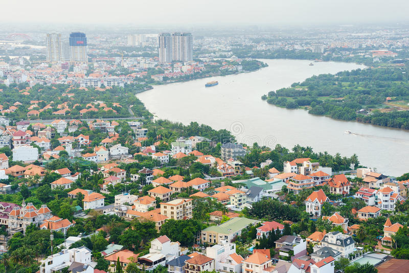 Panoramiczny widok Thao Dien wioski teren, Ho Chi Minh miasto w zmierzchu, Wietnam fotografia stock