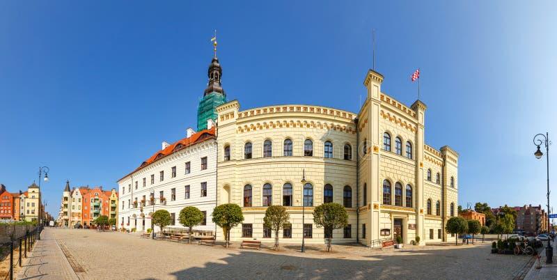 Panoramiczny widok urząd miasta w Glogow Glogow jest jeden starzy miasteczka w Polska zdjęcie royalty free