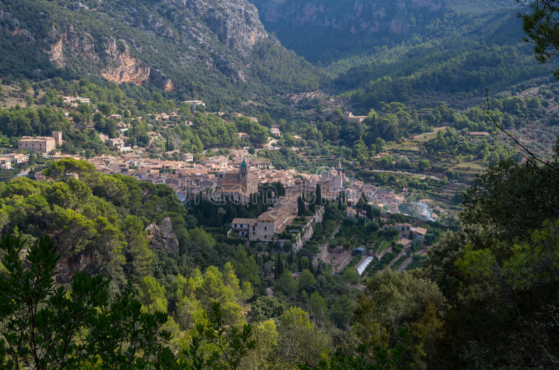 Panoramiczny widok Valdemossa w Mallorca, Hiszpania zdjęcia royalty free