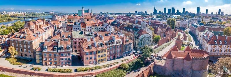 Panoramiczny widok Warszawa w letnim dniu n Polska Stary miasteczko i centrum miasteczko fotografia royalty free
