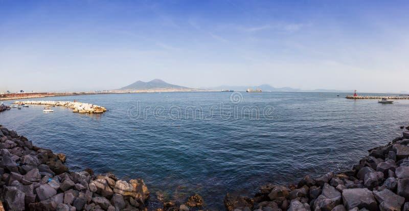 Panoramiczny widok zatoka Napoli Vesuvius w Naples ci i góra obraz royalty free