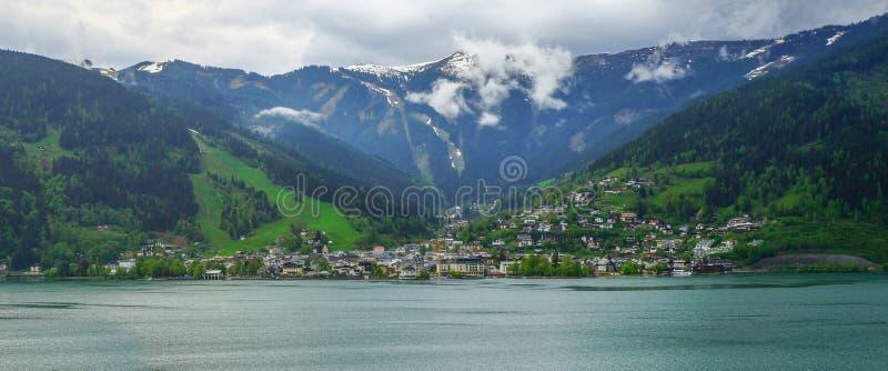Panoramiczny widok Zell am Widzii, Austria obrazy royalty free