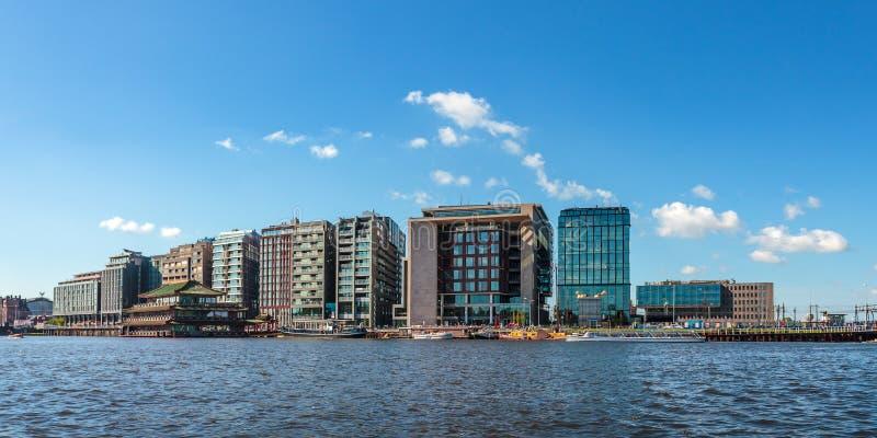 Panoramiczny wizerunek nowożytni budynki w centrum holender c fotografia stock