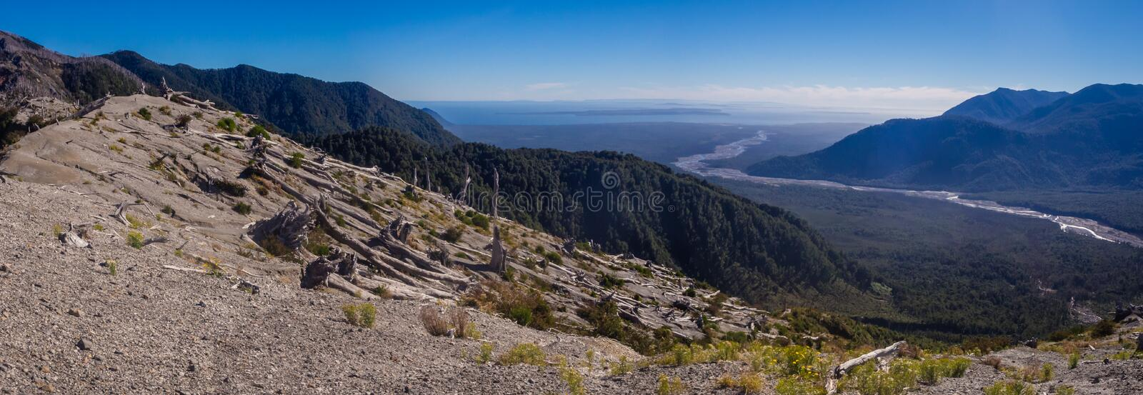 Panoramique du haut du volcan de Chaiten dans le patagonia, Chili photos stock