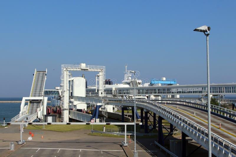 Panoramisch kijk over de haven van Puttgarden & x28; Fehmarn& x29; stock foto