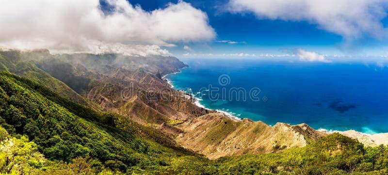 Panoramisch landschap in Anaga-bergen, de Canarische Eilanden van Tenerife, stock afbeeldingen
