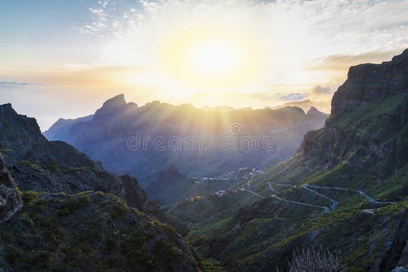 Panoramisch satellietbeeld over Masca-dorp, de meest bezochte toeristische attractie stock foto's