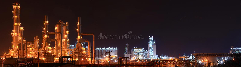 Panoramisch van de fabriek van de olieraffinaderij royalty-vrije stock afbeelding