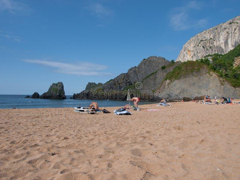 Panoramisch van het wilde strand van Laga in Bizkaia stock afbeeldingen