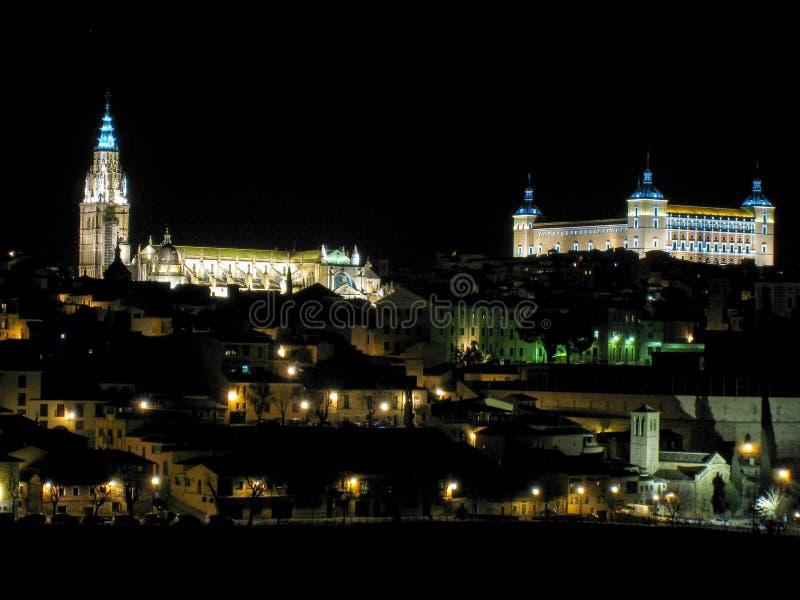 Panoramisch van Toledo bij nacht stock afbeeldingen