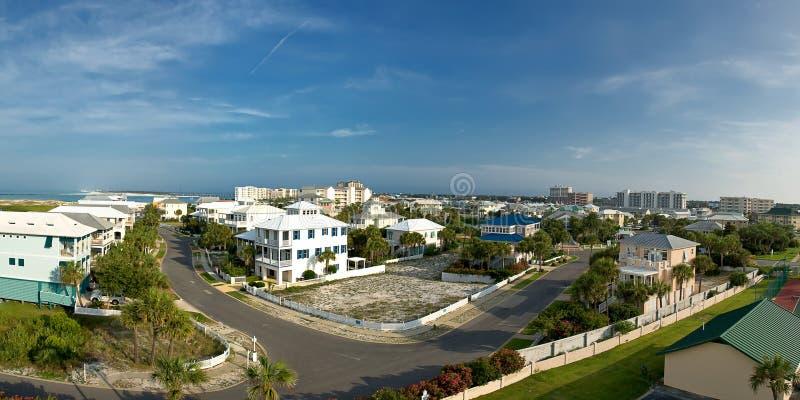 Panoramische Ansicht der Destin Stadt lizenzfreies stockfoto