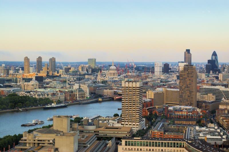 Panoramische Ansicht der London-Stadt lizenzfreies stockbild