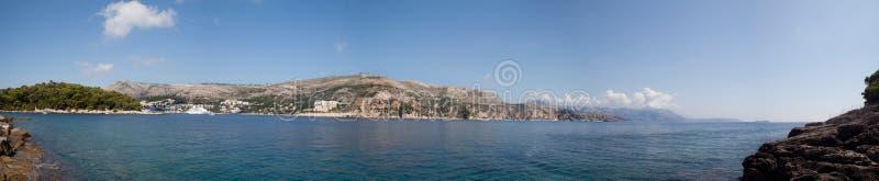 Panoramische Ansicht des Ozeans stockfoto