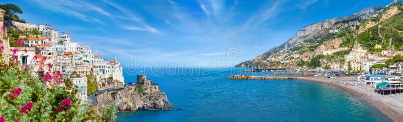 Panoramische collage van Amalfi in provincie van Salerno, gebied van Campania, Italië stock fotografie