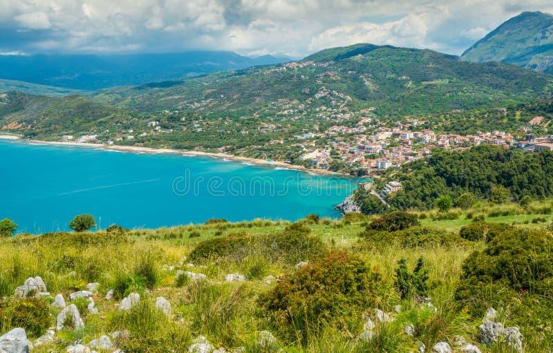 Panoramische Küsten- Ansicht von Palinuro, Cilento, Kampanien, Süd-Italien stockbilder