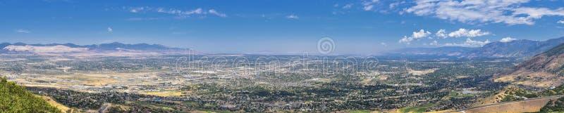 Panoramische Landschaftsansicht von Wasatch Front Rocky und von Oquirrh-Bergen, Rio Tinto Bingham Copper Mine, Great- Salt Laketa stockbild