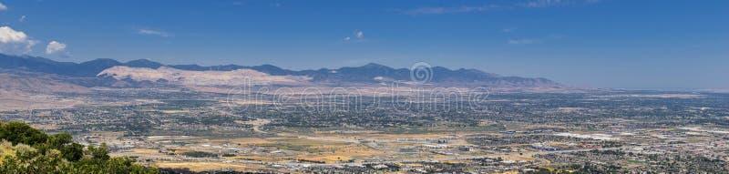 Panoramische Landschaftsansicht von Wasatch Front Rocky und von Oquirrh-Bergen, Rio Tinto Bingham Copper Mine, Great- Salt Laketa lizenzfreie stockbilder