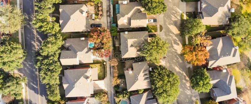 Panoramische lucht hoogste mening van onderverdeling in de voorsteden dichtbij Dallas, T royalty-vrije stock foto's