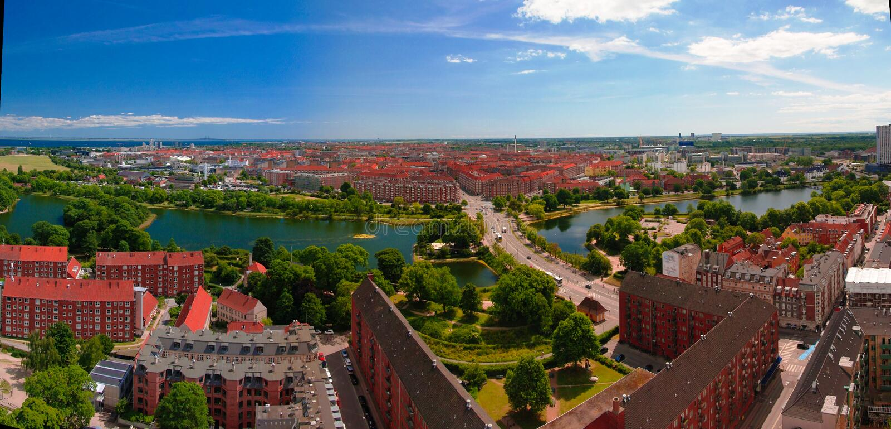 Panoramische luchtcityscape van de stad van Kopenhagen, Denemarken royalty-vrije stock afbeeldingen